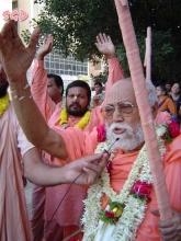 SrilaGurudeva-19